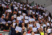 DESCRIZIONE : Campionato 2014/15 Dinamo Banco di Sardegna Sassari - Sidigas Scandone Avellino<br /> GIOCATORE : Palaserradimigni Protesta Inizio Gara 20:30<br /> CATEGORIA : Tifosi Pubblico Spettatori<br /> EVENTO : LegaBasket Serie A Beko 2014/2015<br /> GARA : Dinamo Banco di Sardegna Sassari - Sidigas Scandone Avellino<br /> DATA : 24/11/2014<br /> SPORT : Pallacanestro <br /> AUTORE : Agenzia Ciamillo-Castoria / Claudio Atzori<br /> Galleria : LegaBasket Serie A Beko 2014/2015<br /> Fotonotizia : Campionato 2014/15 Dinamo Banco di Sardegna Sassari - Sidigas Scandone Avellino<br /> Predefinita :