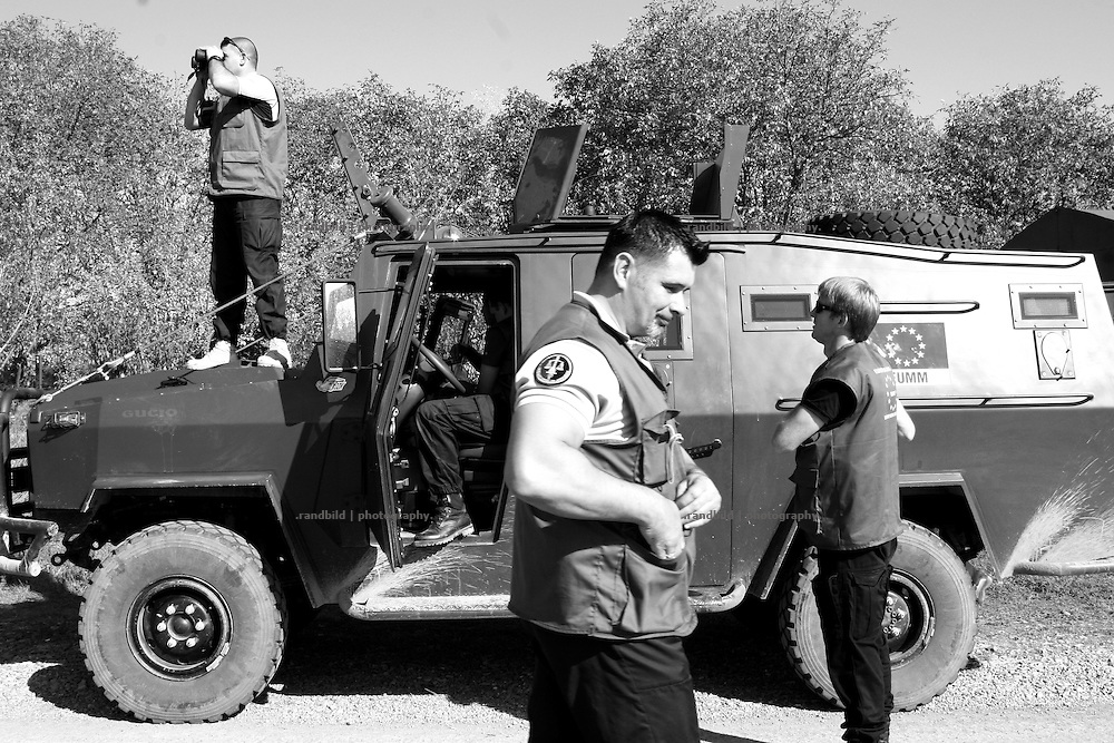 An observer group of the European Union Monitoring Mission (EUMM) patrols a georgian checkpoint in Ergneti, located in the so called bufferzone between Gori and Tskhinvali, few days after the withdrawal of the russian forces from the area. The bufferzone was etablished after a short war in August 2008 as the georgian army assulted South Ossetia to overthrow the local separatist government.