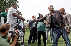 "October 8, 2009; Florham Park, NJ; USA; Floyd ""Money"" Mayweather shakes hands with the newest Jet WR Braylon Edwards in Florham Park, NJ."