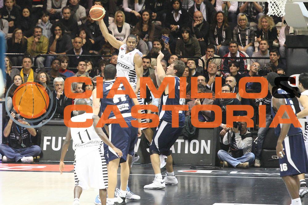 DESCRIZIONE : Bologna Lega A1 2008-09 La Fortezza Virtus Bologna GMAC Fortitudo Bologna<br /> GIOCATORE : <br /> SQUADRA : La Fortezza Virtus Bologna<br /> EVENTO : Campionato Lega A1 2008-2009<br /> GARA : La Fortezza Virtus Bologna GMAC Fortitudo Bologna<br /> DATA : 07/12/2008<br /> CATEGORIA : <br /> SPORT : Pallacanestro<br /> AUTORE : Agenzia Ciamillo-Castoria/G.Ciamillo
