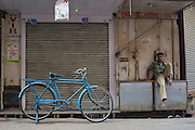 Delivery boy and bicycle - Bombay/Mumbai - India