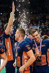 12-05-2019 NED: Abiant Lycurgus - Achterhoek Orion, Groningen<br /> Final Round 5 of 5 Eredivisie volleyball, Orion wins Dutch title after thriller against Lycurgus 3-2 / Orion celebrate Peter Ogink #6 of Orion, Nikita Artamonov #8 of Orion