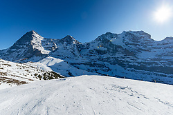 16.01.2020, Lauberhorn, Wengen, SUI, FIS Weltcup Ski Alpin, Vorberichte, im Bild Eiger (3970m), Mönch (4107m), (Jungfraujoch (3466m), Jungfrau (4158m) // Eiger (3970m) Monk (4107m) (Jungfraujoch (3466m) Jungfrau (4158m) during a preliminary reports prior to the FIS ski alpine world cup at the Lauberhorn in Wengen, Switzerland on 2020/01/16. EXPA Pictures © 2020, PhotoCredit: EXPA/ Johann Groder