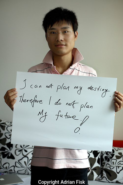 Alex li - 22 yrs.<br />