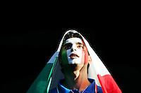 Fussball WM 2006        Italien - Ukraine Ein italienischer Fan vor Spielbeginn.
