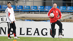 MARSEILLE, FRANCE - Monday, December 10, 2007: Liverpool's manager Rafael Benitez and Javier Mascherano training at the Stade Velodrome ahead of the final UEFA Champions League Group A match against Olympique de Marseille. Liverpool must win to progress to the knock-out stage. (Photo by David Rawcliffe/Propaganda)