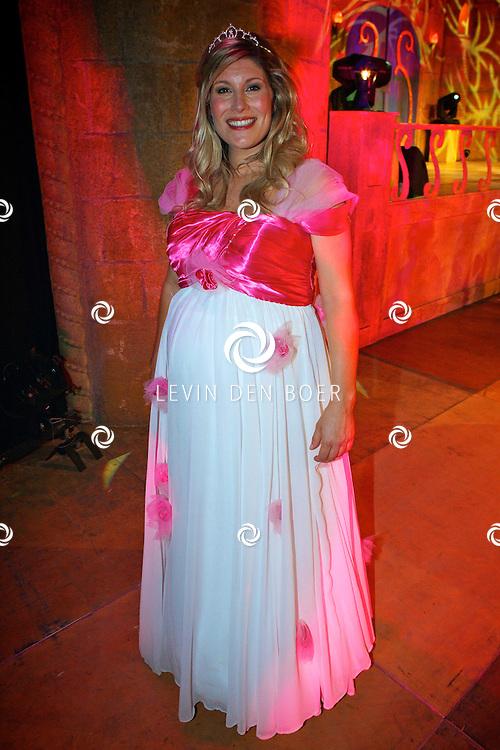 GORINCHEM - In een grote hal is het Afas Sprookjesconcert drie dagen achter elkaar compleet uitverkocht.  Met op de foto de hoogzwangere Maud Mulder als doornroosje. FOTO LEVIN DEN BOER - PERSFOTO.NU