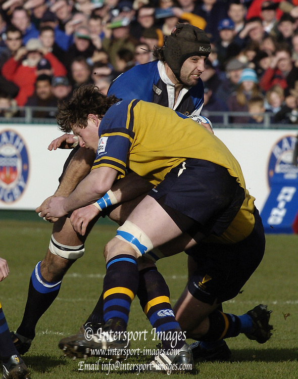 2004/05 Heineken_Cup,Bath Rugby_vs_Leinster,Bath,North Somerset, ENGLAND:.Baths Danny Grewcock and Leinsters Malcolm O'Kelly.Photo  Peter Spurrier. .email images@intersport-images.com...