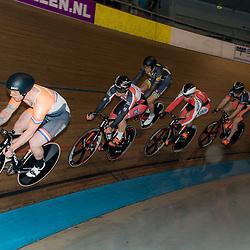 20-12-2015: Wielrennen: NK Baan: Alkmaar<br />ALKMAAR (NED) baanwielrennen. <br />Finale Keirin Roy van den Berg neemt de kop in de finale. De titel ging naar Mathijs Buchli