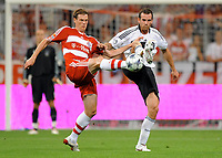 Fotball<br /> Bundesliga Tyskland<br /> 02.09.2008<br /> Foto: Witters/Digitalsport<br /> NORWAY ONLY<br /> <br /> v.l. Tim Borowski, Christoph Metzelder<br /> <br /> Abschiedsspiel Oliver Kahn Bayern München - Deutschland