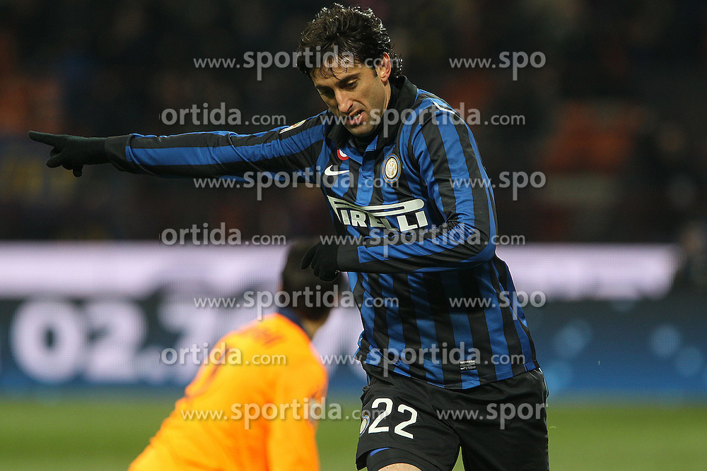 21.12.2011, Stadion Giuseppe Meazza, Mailand, ITA, Serie A, Inter Mailand vs US Lecce, 16. Spieltag, im Bild Esultanza di Diego Milito Inter, Goal celebration // during the football match of Italian 'Serie A' league, 16th round, between Inter Mailand and US Lecce at Stadium Giuseppe Meazza, Milan, Italy 2011/12/21. EXPA Pictures © 2011, PhotoCredit: EXPA/ Insidefoto/ Paolo Nucci..***** ATTENTION - for AUT, SLO, CRO, SRB, SUI and SWE only *****
