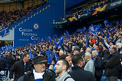 09.05.2019, Stamford Bridge, London, ENG, UEFA EL, FC Chelsea vs Eintracht Frankfurt, Halbfinale, Rückspiel, im Bild Chelsea fans // Chelsea fans during the UEFA Europa League semifinal 2nd leg match between FC Chelsea and Eintracht Frankfurt at the Stamford Bridge in London, Great Britain on 2019/05/09. EXPA Pictures © 2019, PhotoCredit: EXPA/ Focus Images/ Alan Stanford<br /> <br /> *****ATTENTION - for AUT, GER, FRA, ITA, SUI, POL, CRO, SLO only*****