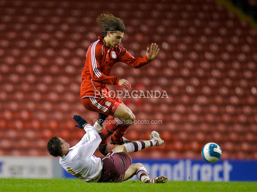 LIVERPOOL, ENGLAND - Tuesday, January 29, 2008: Liverpool's Astrit Ajdaveric and Arsenal's James Dunne during the FA Youth Cup 4th Round match at Anfield. (Photo by David Rawcliffe/Propaganda)