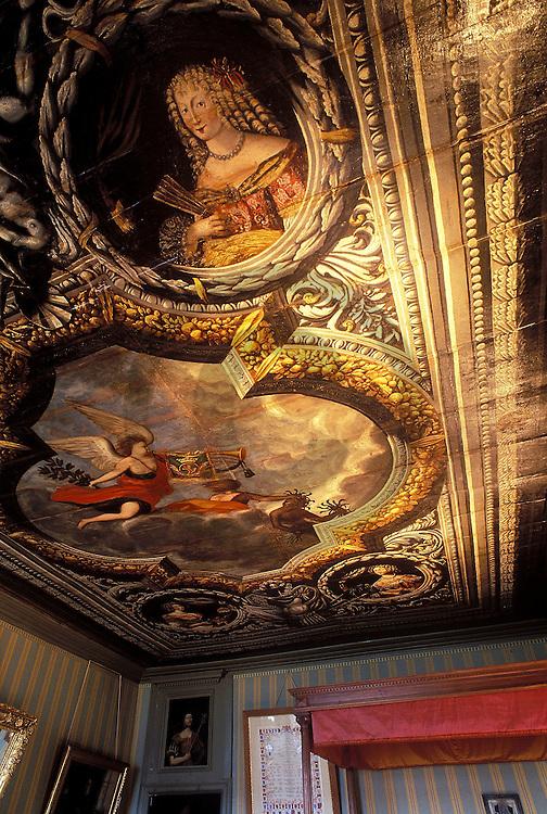18/05/99 - POLMINHAC - CANTAL - FRANCE - Chateau de Pesteils - Photo Jerome CHABANNE
