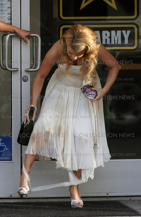 "September 19, 2007 Hollywood, CA Non Exclusive Photo. Jessica Simpson films a scene for ""Major Movie Star"" Privete Valentine. In the scene she is drunk and wearing a wedding dress. Photo By Eric Ford/ David Buchan/ On Location News 818-613-3955 info@onlocationnnews.com"