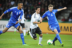 15.10.2013, Auestadion, Kassel, GER, UEFA U21 EM Qualifikation, Deutschland vs Faroer Inseln, Gruppe 6, 8. Runde, im Bild Kampf um den Ball zwischen Sonni Ragnar Nattestad (Faroer Isl, s U21), Yunus Mali (Deutschl, U21, 1 FSV Mainz 05), Hordur Askham (Faroer Isl, s U21) (L-R), Aktion, Action // during the UEFA U21 European Championship group six 8th round qualifier between Germany and Faroe Islands at the Auestadion in Kassel, Germany on 2013/10/15. EXPA Pictures © 2013, PhotoCredit: EXPA/ Eibner-Pressefoto/ Sippel<br /> <br /> *****ATTENTION - OUT of GER*****