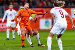 09-11-2018 NED: UEFA WC play-off final Netherlands - Switzerland, Utrecht<br /> European qualifying for the 2019 FIFA Women's World Cup - Sherida Spitse #8 of Netherlands, Rahel Kiwic #14 of Switzerland