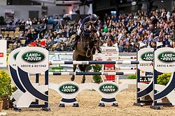 VAN HEEL Arne (NED), DONALD<br /> Neumünster - VR Classics 2020<br /> Preis der Turnier- & Reitsportgemeinschaft Holstenhalle Neumünster e.V.<br /> CSI3* internationales Eröffnungsspringen nach Strafpunkten und Zeit (1,45m)<br /> Designer Outlet Neumünster Sonderpreis<br /> 14. Februar 2020<br /> © www.sportfotos-lafrentz.de/Stefan Lafrentz