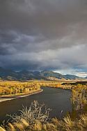 Paradise Valley, Yellowstone River, Absaroka Mountans,  Fall colors, golden, Cottonwood