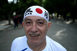 November 12, 2017 - Athens, Attica, Greece - A man poses during the 35th Athens Classic Marathon in Athens, Greece, November 12, 2017. (Credit Image: © Giorgos Georgiou/NurPhoto via ZUMA Press)