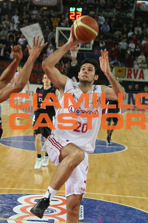 DESCRIZIONE : Roma Lega A1 2006-07 Lottomatica Virtus Roma Eldo Napoli <br /> GIOCATORE : Askrabic <br /> SQUADRA : Lottomatica Virtus Roma <br /> EVENTO : Campionato Lega A1 2006-2007 <br /> GARA : Lottomatica Virtus Roma Eldo Napoli <br /> DATA : 25/03/2007 <br /> CATEGORIA : Tiro <br /> SPORT : Pallacanestro <br /> AUTORE : Agenzia Ciamillo-Castoria/G.Ciamillo