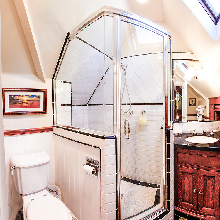 Loft bathroom in mountain cabin