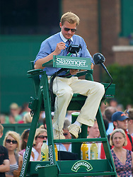 LONDON, ENGLAND - Saturday, June 27, 2009: Umpire Jan Schroder during the Boys' Singles 1st Round match on day six of the Wimbledon Lawn Tennis Championships at the All England Lawn Tennis and Croquet Club. (Pic by David Rawcliffe/Propaganda)