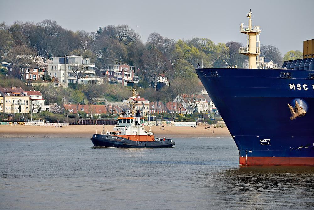 MSC Mira im Hafen Hamburg
