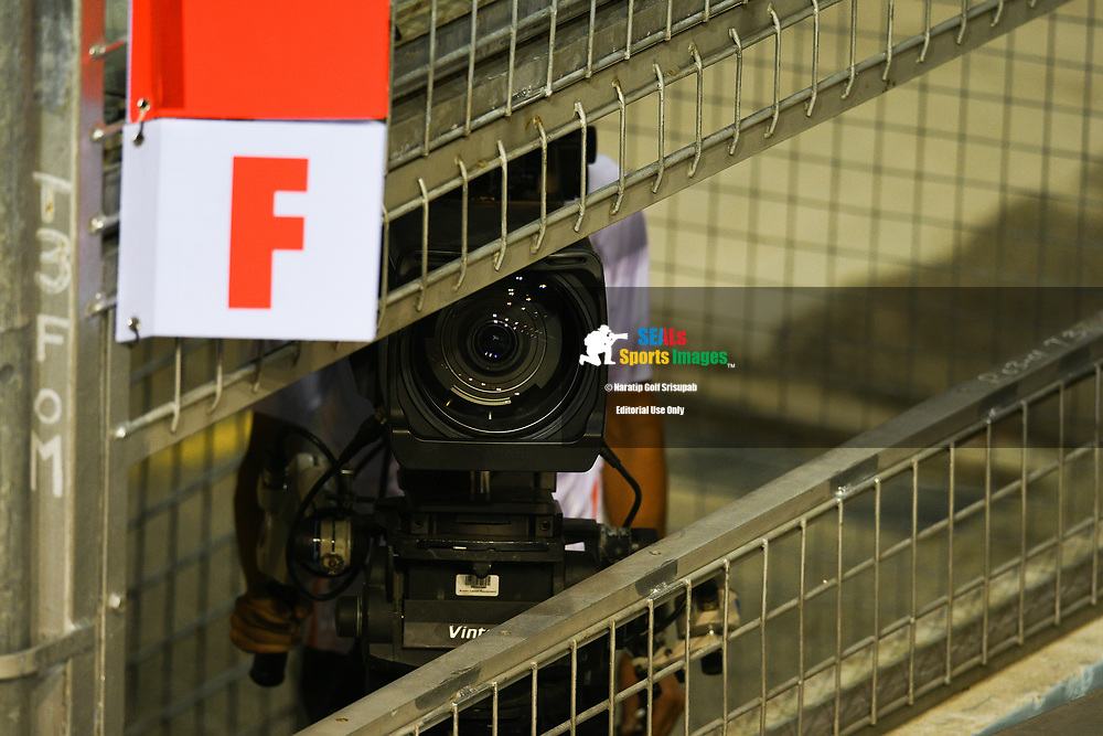 SINGAPORE - SEPTEMBER 15: F1 TV prior to the start of Qualifying at the F1 Singapore Grand Prix 2018, Marina Bay Street Circuit, Singapore on September 15, 2018. <br /> .<br /> .<br /> .<br /> (Photo by: Naratip Golf Srisupab/SEALs Sports Images)<br /> .<br /> Any image use must include a mandatory credit line adjacent to the content which should read: Naratip Golf Srisupab/SEALs Sports Images