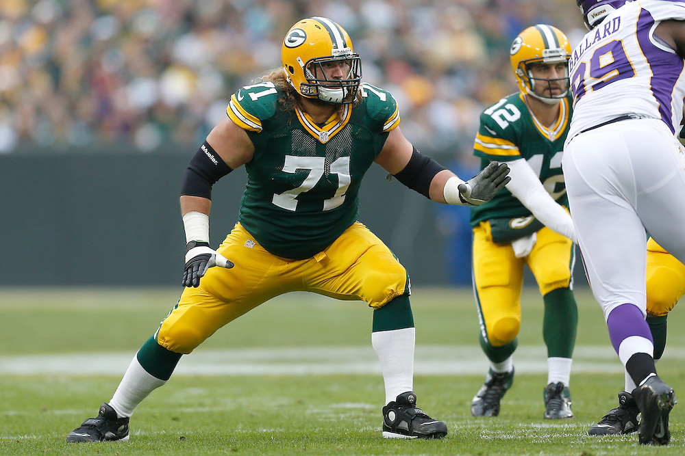 GREEN BAY, WI - DECEMBER 2:  Josh Sitton #71 of the Green Bay Packers blocks during a game against the Minnesota Vikings at Lambeau Field on December 2, 2012 in Green Bay, Wisconsin.  The Packers defeated the Vikings 23-14.  (Photo by Wesley Hitt/Getty Images) *** Local Caption *** Josh Sitton