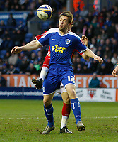 Photo: Steve Bond/Sportsbeat Images.<br />Leicester City v Charlton Athletic. Coca Cola Championship. 29/12/2007. Matty Fryatt shields the ball