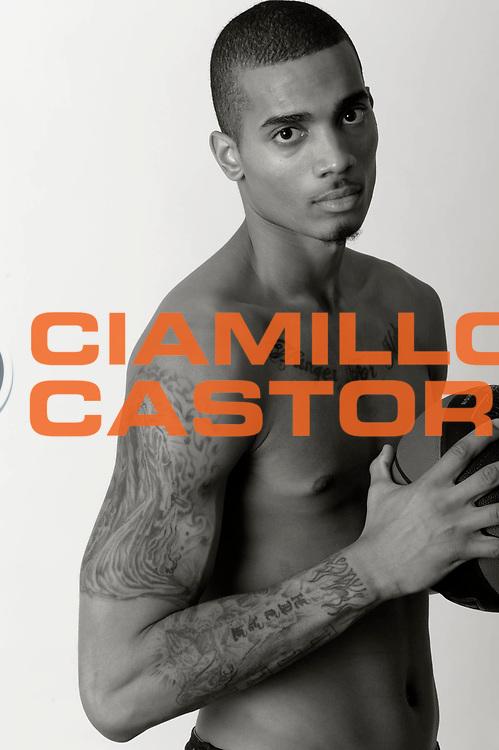 DESCRIZIONE : Championnat de France Pro A Magazine Orleans<br /> GIOCATORE : Raposo Fernando<br /> SQUADRA : Orleans<br /> EVENTO : Pro A <br /> GARA : <br /> DATA : 19/10/2012<br /> CATEGORIA : Basketball Homme<br /> SPORT : Basketball<br /> AUTORE : JF Molliere<br /> Galleria : France Basket 2012-2013 Magazine<br /> Fotonotizia : Championnat de France Basket Pro A Remerciements &agrave; l' hotel  Novotel<br /> Predefinita :