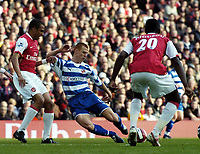 Photo: Olly Greenwood.<br />Arsenal v Reading. The Barclays Premiership. 03/03/2007. Reading's Steve Sidwell shots at goal