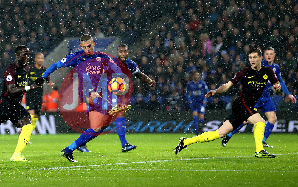 Islam Slimani of Leicester City shoots at goal - Mandatory by-line: Robbie Stephenson/JMP - 10/12/2016 - FOOTBALL - King Power Stadium - Leicester, England - Leicester City v Manchester City - Premier League