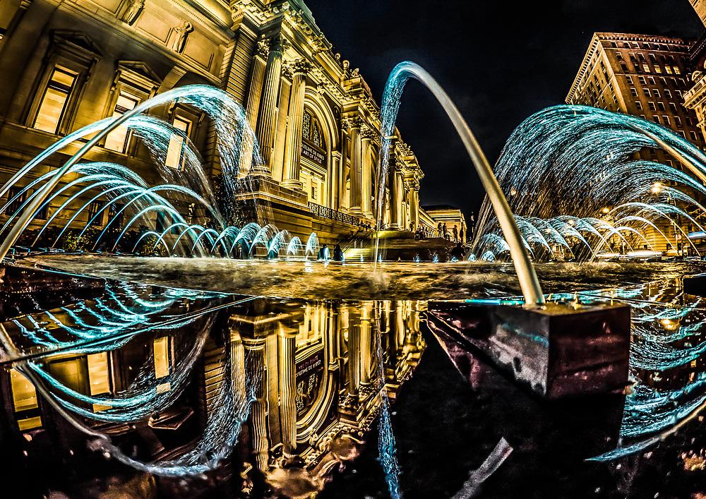 The Metropolitan Museum of Art fountain at night