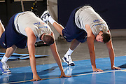 DESCRIZIONE : Bormio Ritiro Nazionale Italiana Maschile Preparazione Eurobasket 2007 Allenamento Preparazione fisica<br /> GIOCATORE : Danilo Gallinari<br /> SQUADRA : Nazionale Italia Uomini EVENTO : Bormio Ritiro Nazionale Italiana Uomini Preparazione Eurobasket 2007 GARA : <br /> DATA : 22/07/2007 <br /> CATEGORIA : Allenamento <br /> SPORT : Pallacanestro <br /> AUTORE : Agenzia Ciamillo-Castoria/E.Castoria<br /> Galleria : Fip Nazionali 2007 <br /> Fotonotizia : Bormio Ritiro Nazionale Italiana Maschile Preparazione Eurobasket 2007 Allenamento <br /> Predefinita :