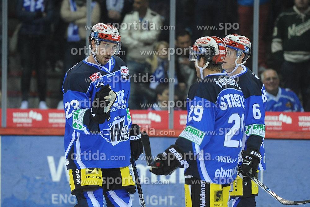 09.10.2015, Helios-Arena, Schwenningen, GER, DEL, Schwenninger Wild Wings vs ERC Ingolstadt, 9. Runde, im Bild (v.l.n.r.) Matt Pelech (Schwenninger Wild Wings) Yan Stastiny (Schwenninger Wild Wings) Benedikt Brueckner (Schwenninger Wild Wings) // during the German DEL Icehockey League 9th round match between Schwenninger Wild Wings and ERC Ingolstadt at the Helios-Arena in Schwenningen, Germany on 2015/10/09. EXPA Pictures &copy; 2015, PhotoCredit: EXPA/ Eibner-Pressefoto/ Laegler<br /> <br /> *****ATTENTION - OUT of GER*****