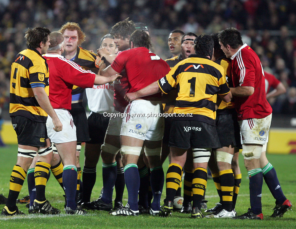 Another fight breaks out during the British and Irish Lions v Taranaki rugby match at Yarrow Stadium, New Plymouth, New Zealand on Wednesday 8 June, 2005. The Lions won the match, 36 - 14. Photo: Hannah Johnston/PHOTOSPORT