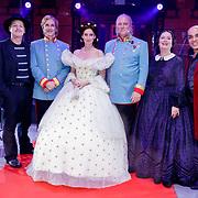 NLD/Soest/20180518 - 1e Voorstelling musical Elisabeth bij paleis Soestdijk, Addo Kuizinga, Pia Douwes, Stanley Burleson, Doris Baaten, Tony Neef, en Jeroen Phaff