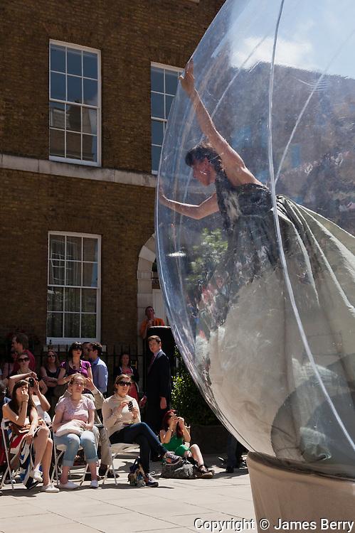 Simon Birch Dance Company. Devonshire Square.