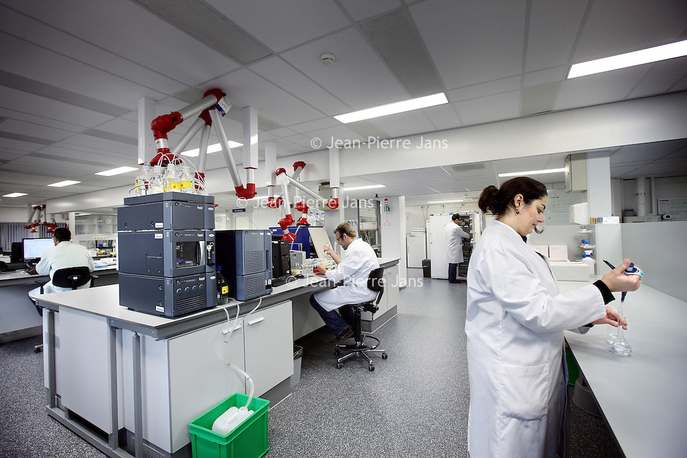 Nederland, Amsterdam , 27 oktober 2010..Vrij onbekende laboratorium binnen VUmc op 0D111..Fairly unknown laboratory of the University hospital of Amsterdam.