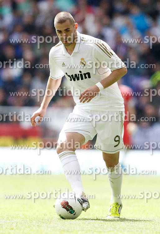 29.04.2012, Santiago Bernabeu Stadion, Madrid, ESP, Primera Division, Real Madrid vs FC Sevilla, 36. Spieltag, im Bild Real Madrid's Karim Benzema the football match of spanish 'primera divison' league, 36th round, between Real Madrid and FC Sevilla at Santiago Bernabeu stadium, Madrid, Spain on 2012/04/29. EXPA Pictures © 2012, PhotoCredit: EXPA/ Alterphotos/ Alvaro Hernandez..***** ATTENTION - OUT OF ESP and SUI *****