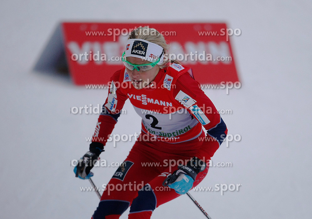 03.01.2013, Nordische Arena, Toblach, ITA, FIS Langlauf Weltcup, Tour de Ski 2013, Damen, 15km Verfolgung, im Bild Therese Johaug // during Ladies 15 km Free Pursuit of the Tour de Ski 2013 of the FIS cross country world cup at nordic arena in Dobiacco, Italy on 2013/01/03. EXPA Pictures © 2013, PhotoCredit: EXPA/ Newspix/ Irek Dorozanski..***** ATTENTION - for AUT, SLO, CRO, SRB, BIH, TUR, SUI and SWE only *****