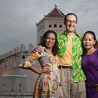 Shane & Vanda at Pra Sumen Fort at Santichaiprakarn Park on Pra Athit Road, Banglampo - Bangkok, Thailand