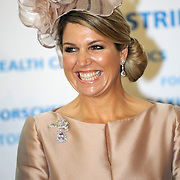 Koning en koningin bezoeken Noordrijn-Westfalen. Koning Willem Alexander en Koningin Maxima bezoeken het onderzoeksinstituut Fraunhofer IML<br /> <br /> King and Queen visit North Rhine-Westphalia.<br /> King Willem Alexander and Queen Maxima visit  research Fraunhofer IML<br /> <br /> Op de foto / On the photo: <br /> <br />  Koningin Maxima / Queen Maxima