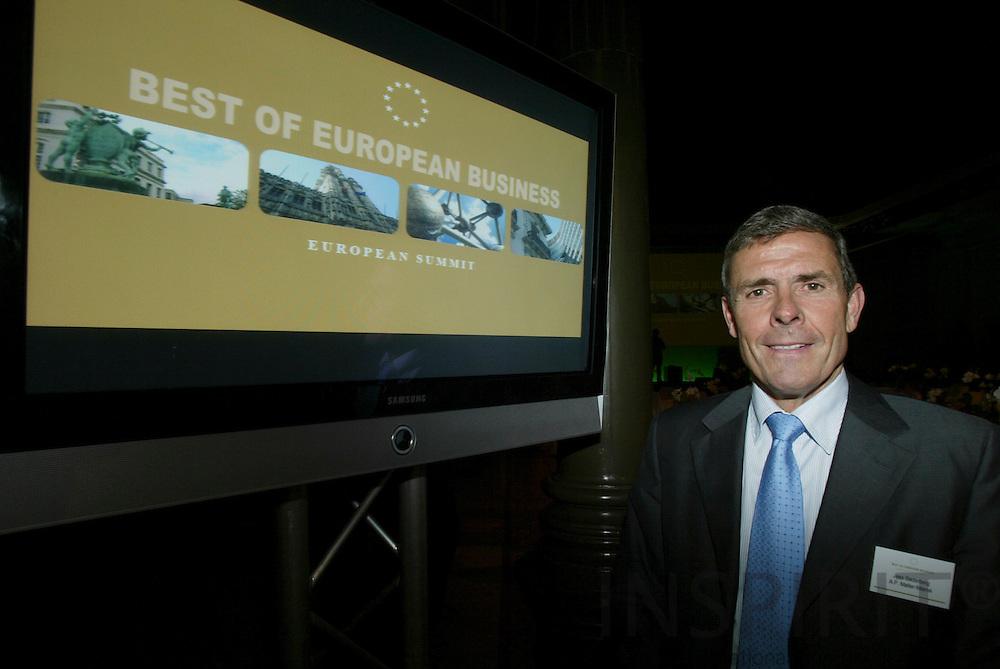 BRUSSELS - BELGIUM - 22 FEBRUARY 2006 -- Skibsreder Jess SØDERBERG modtog på vegne af A.P. Møller - Mærsk, onsdag aften prisen Best of European Business, som bl.a. Financial Times står bag.   PHOTO: ERIK LUNTANG /