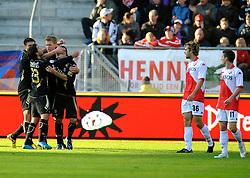 08-11-2009 VOETBAL: FC UTRECHT - HEERENVEEN: UTRECHT<br /> Utrecht verliest met 3-2 van Heerenveen / Viktor Elm scoort de 1-0<br /> ©2009-WWW.FOTOHOOGENDOORN.NL