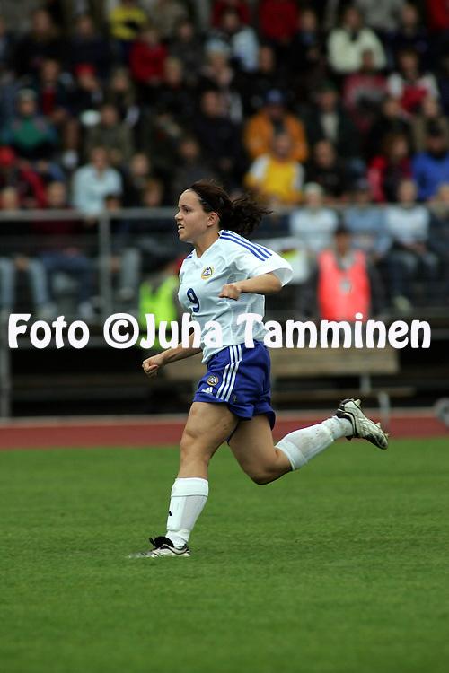 28.07.2004, Hyvink??, Finland..UEFA Women's Under-19 European Championship.Group A, Finland v Germany.Taru Laihanen - Finland.©Juha Tamminen.....ARK:k