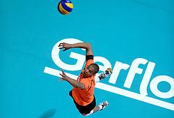 08-06-2013 VOLLEYBAL: WORLD LEAGUE NEDERLANDS - JAPAN: APELDOORN<br /> Nederland wint met 3-1 van Japan / Nimir Abdelaziz <br /> &copy;2013-FotoHoogendoorn.nl