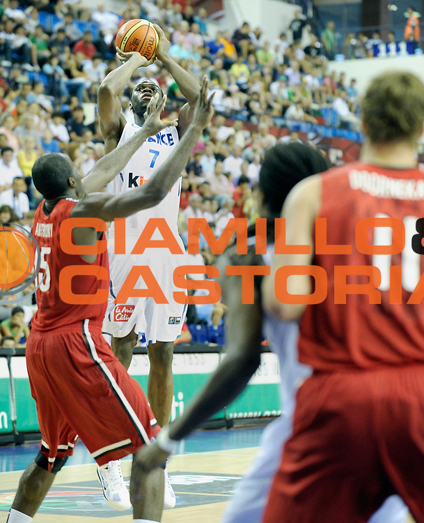 DESCRIZIONE : Championnat Du Monde 2010 Turquie Izmir Tour Preliminaire <br /> GIOCATORE : Koffi Alain<br /> SQUADRA : France <br /> EVENTO : Championnat du monde 2010<br /> GARA : France Canada<br /> DATA : 31/08/2010<br /> CATEGORIA : Basketball Action Homme<br /> SPORT : Basketball<br /> AUTORE : JF Molliere FFBB par Agenzia Ciamillo-Castoria <br /> Galleria : France Basket Championnat du monde 2010<br /> Fotonotizia : Championnat du monde Turquie Izmir Tour Preliminaire Jour 4 <br /> Predefinita :